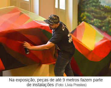 Na exposição, peças de até 9 metros fazem parte de instalações