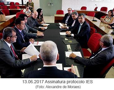 Assinatura do protocolo IES