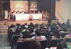 Estudantes, professores e gestores publicos participam do evento.