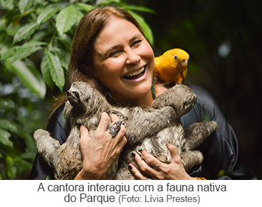 A cantora interagiu com a fauna nativa do Parque