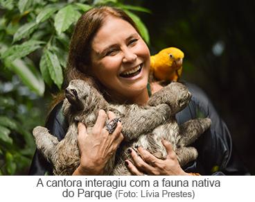A cantora interagiu com a fauna nativa do Parque