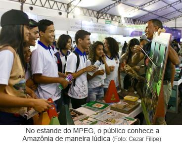 No estande do MPEG, o público conhece a Amazônia de maneira lúdica