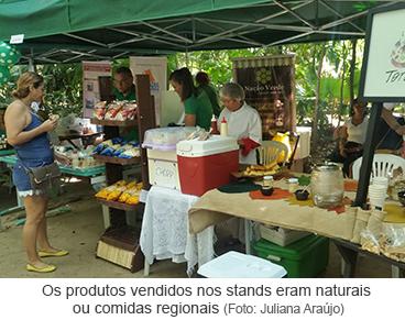 Os produtos vendidos nos stands eram naturais ou comidas regionais.png