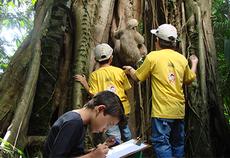 Grupo do Clube do Pesquisador Mirim em atividade no Parque Zoobotânico