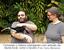 Fernando e Hélene interagiram com animais da fauna local, como o tucano